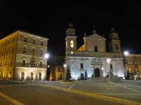 Caltanissetta - Piazza Garibaldi ore 2:00 (5295 clic)