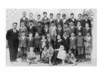 Raccolta foto antiche di classi scolastiche dalla fine degli anni '20 fino agli anni'80 del 1900  - Santa croce camerina (11422 clic)