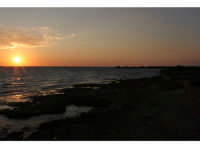 foto a colori di Santa Croce Camerina e di Punta Secca  - Santa croce camerina (5032 clic)