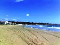 la baia sorvegliata dalla rocca  - Punta braccetto (4799 clic)