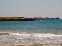 Torre di Mezzo e Punta Secca dalla baia di Punta Braccetto  - Punta braccetto (5126 clic)