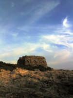 Rocca vigliena,torre di avvistamento da cui ha preso il nome la località balneare.  - Punta braccetto (7311 clic)