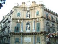 Palermo - I Quattro Canti. Particolare della facciata di uno dei Palazzi. PALERMO Gianni Buttà