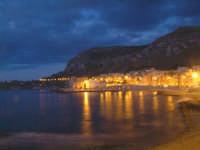 Aspra (frazione di Bagheria) - Veduta serale del litorale e del borgo marinaro.  - Bagheria (10200 clic)