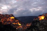 SUNSET TO IBLA  - Ragusa (4569 clic)