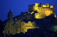 Castello di Caccamo. Edificato dai normanni è oltre ad essere il più grande, è uno dei manieri feudali più importanti, suggestivi e meglio conservati ...   - Caccamo (9863 clic)