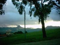 Paesaggio con vista Rocca di Sutera  - Mussomeli (5307 clic)