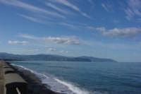 Ex lungomare Marchesana: la lunghezza di questa spiaggia oggi trova solo continuazione nella scia della sue nuvole.   - Terme vigliatore (8922 clic)