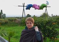Pia e lo spiedo di Elena La foto è stata scattata da Marcello Scorsone in occasione di un soggiorno a Portiere Stella  - dicembre 2012 -  - Paternò (1899 clic)
