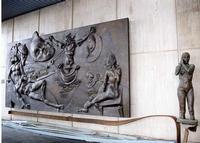 Il sogno del re normanno Opera realizzata dal maestro scultore Ugo Attardi per l'aerostazione Falcone-Borsellino già Punta Raisi  - Cinisi (2643 clic)