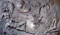 Il sogno del Re Normanno (particolare) Opera realizzata dallo scultore Ugo Attardi per l'aerostazion