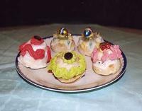 Rasco (è il biscotto di San Martino farcito e decorato) Dolce tipico della tradizione palermitana del mese di Novembre in occasione della festa di San Martino  - Palermo (2776 clic)