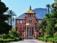 Palermo la cosiddetta PALAZZINA CINESE La Palazzina cinese è stata la dimora di Ferdinando IV dal 17