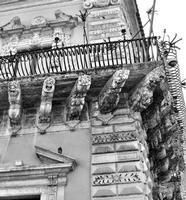 Acireale Balcone ad angolo (1204 clic)