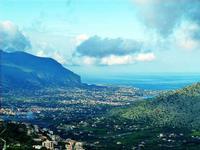 Panorana di Villagraza di Carini  Una veduta di Villagrazia di Carini vista dal belvedere di Carini  - Villagrazia (3674 clic)