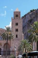Il campanile del Duomo  Uno dei due Campanili del Duomo di Cefalù  - Cefal? (2648 clic)