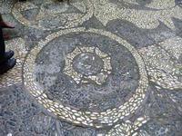 Santuario di Santa Rosalia Il sagrato del Santuario con pavimentazione artisticamente decorata con c