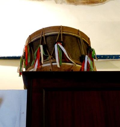 Il tamburo delle feste - VALLEDOLMO - inserita il 01-Sep-14
