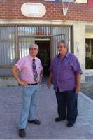 Francesco Scorsone e Nicola Bravo Francesco Scorsone e Nicola Bravo a Godrano davanti alla biblioteca dedicata a Francesco Carbone  - Godrano (4713 clic)