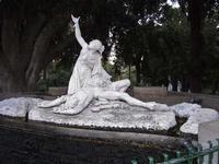 Aci e Galatea Villa comunale Belvedere -  Scultura di  Rosario  Anastasi , nato ad  Acireale nel 1806  e  morto  a  Palermo  nel  1876  - Acireale (3693 clic)