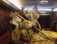 Santa Rosalia La statua di Santa Rosalia nel Santuario dedicato alla Santa a Motepellegrino PALERMO