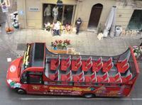 Un servizio che non serve Questo servizio di pullman che dovrebbe servire ai turisti in transito a P