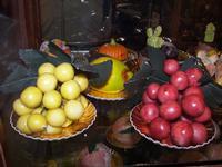 martorana La martorana (dolci di pasta di mandorle con varie forme di frutta, di pesci  ecc.)  fà pa