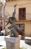 Scultura dedicata agli ATLETI    - Castelbuono (717 clic)