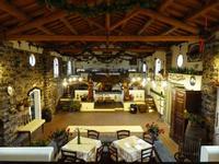 Il  Ristorante della Masseria Portiere Stella Il grande salone-ristorante   dove nel passato  stavano due grandi palmenti -  gennaio 2014  - Paternò (3285 clic)