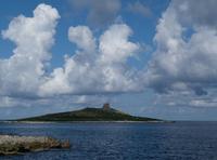 L'isolotto riserva orientata Questa fotografia è stata scattata sopratutto per la composizione delle nuvole. La prima a sx ricorda l'Inghilterra  - Isola delle femmine (3855 clic)