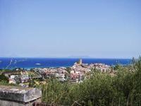Panorama di Brolo visto dalla strada per Ficarra (1984 clic)