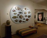 L'acquario Fondazione La Verde La Malfa, la pinacoteca. alla parete l'acquario di Giusto Sucato.  La Fondazione è a Trappeto frazione di S.Giovanni La Punta (Catania)  - Trappeto (2210 clic)