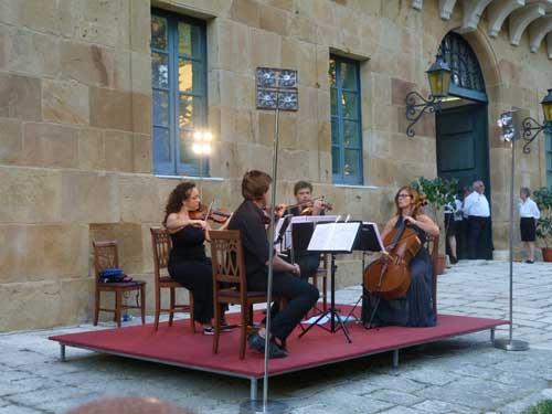 Concertisti al Real Casino di Caccia borbonico - FICUZZA - inserita il 17-Sep-13