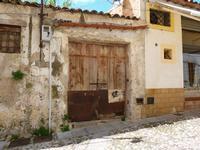 Vecchio portone chiuso a Monreale (817 clic)
