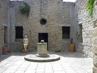 Fortezza borbonica L'atrio di ingresso della fortezza borbonica di Ficarra ME - estate 2007  - Ficarra (2301 clic)
