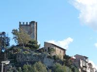 Il castello  Il castello di Brolo con la torre dai merli ghibellini  - Brolo (1660 clic)