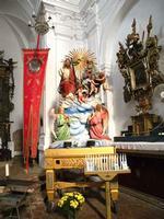Il Fercolo della Santissima Trinità Il fercolo in questione viene portato in processione a Forza d'Agrò la prima domenica di agosto degli anni pari. una breve storia della tradizione si può leggere nel sito di Forza d'Agrò. http://www.forzadagro.net/tradizione/trinita.html   - Forza d'agrò (6829 clic)