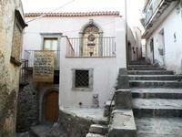 La Casa della Divina Bellezza La Casa della Divina Bellezza è nota per la sua carattericstica di luogo di bellezza e di cultura.   - Forza d'agrò (5397 clic)