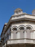Palazzo Burgio Spanò Il palazzo del XX secolo sta fra la Via XI Maggio e la Via Eliodoro Lombardi  ed è stato realizzato  secondo  l'architettura siciliana-liberty   -  agosto 2013  - Marsala (1250 clic)