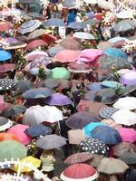 La pioggia di Santa Rita La benedizione delle rose sotto la pioggia davanti la Chiesa di Santa Rita.