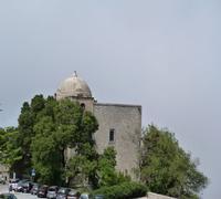Chiesa di San Giovanni Veduta della Chiesa di San Giovanni a Erice .La Chiesa è antica e,secondo l'iscrizione di una lapide ,dei tempi di Costantino.  Rifatta nella prima metà del '400 fu allargata nel 1631.  - Erice (1482 clic)