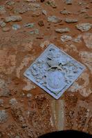 Stemma  che sta al di sopra del portone del castello   - Marineo (937 clic)