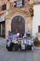 Bancarella con merce varia   - Terrasini (919 clic)