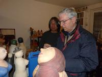 Francesco Scorsone e Juan Esperanza Francesco M. Scorsone in visita nello studio di Juan Esperanza a Sutera  - aprile 2011  -  - Sutera (4482 clic)