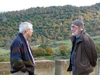 Scorsone e Staccioli Francesco Scorsone e Mauro Staccioli in una foto scattata il 05.01.2012 a Castel di Lucio.  - Fiumara d'arte (5299 clic)