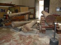 Cannoni borbonici  Cannoni borbonici conservati all'arsenale borbonico di Palermo -  luglio 2009 PAL