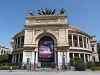Il Teatro Politeama Garibaldi Il Politeama Garibaldi , su progetto  di Giuseppe Damiani Almeyda   fu