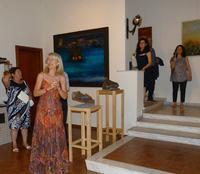 Daniela Fileccia presenta la mostra di ceramiche Daniela Fileccia presenta la mostra collettiva di ceramiche d'arte.  - San giovanni la punta (4548 clic)