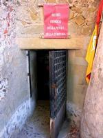 Torre del castello Museo storico della pena e della tortura - giugno 2014  - Brolo (1128 clic)