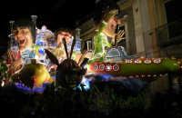 Acireale Carnevale 2009 Il carro dedicato ai Beatles  (7460 clic)